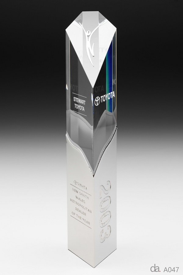 Toyota-Dealer of the Year Awards. Custom crystal piece with custom metal sheaf H: 400mm W: 90mm