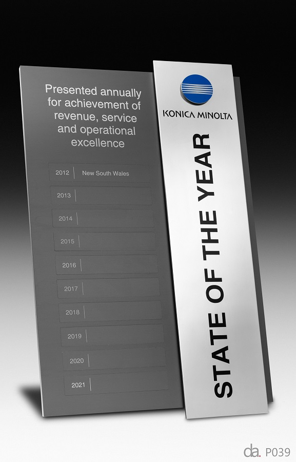 Konica Minolta-State of the Year Award. Custom plaque with photographic aluminium. H: 400 mm W: 220 mm.