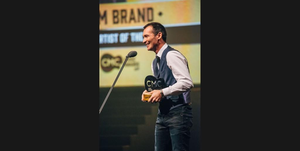 Adam Brand wins a CMC Award. Photo Credit: https://www.countrymusicchannel.com.au/