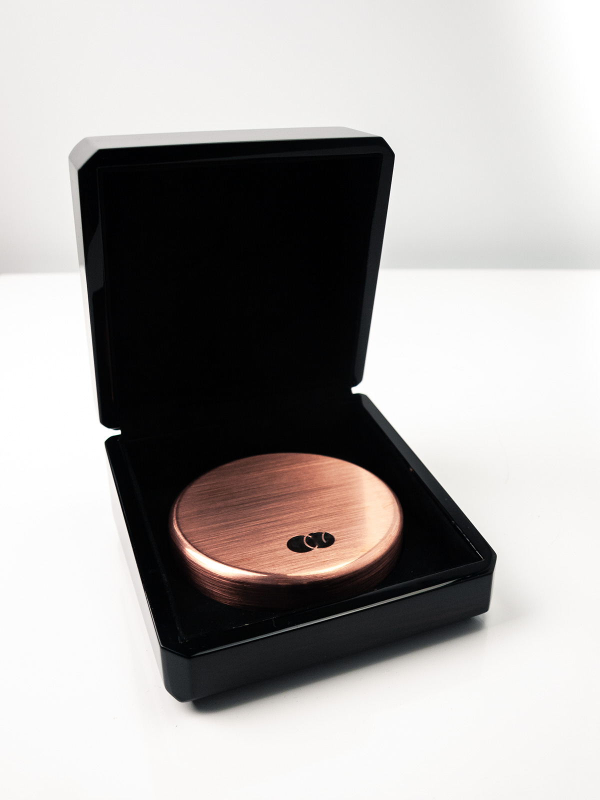Bespoke object for Mastercard with box